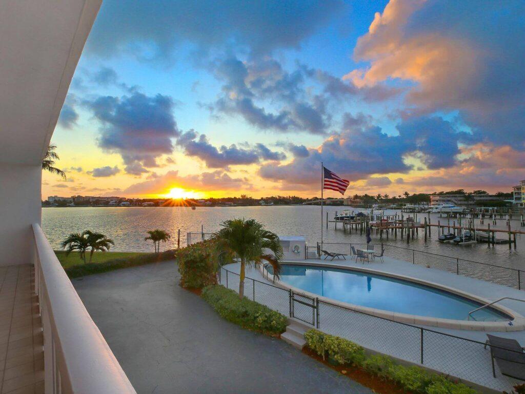 Lantana FL-Mid-Florida Metal Roof Contractors of Boynton Beach